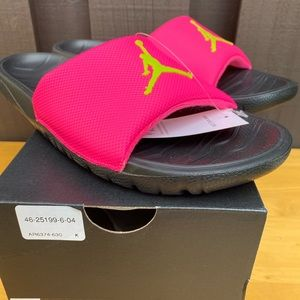 NIKE Air Jordan BREAK SLIDES HYPER PINK CYBER